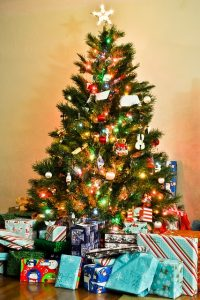 Downsizing Christmas - Am I a Bad Mom? Stacey Gustafson